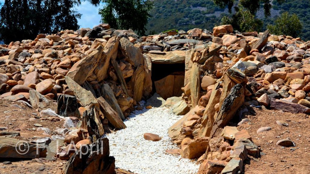 Dolmen de Valdecaballeros - Valdecaballeros`prehistoric construction